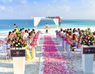 que-porter-pour-un-mariage-de-destination